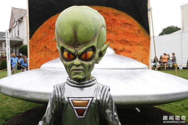 CIA解密:23俄士兵遇外星人 竟被瞬间石化
