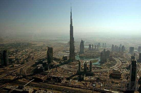 世界上最高的建筑:哈利法塔