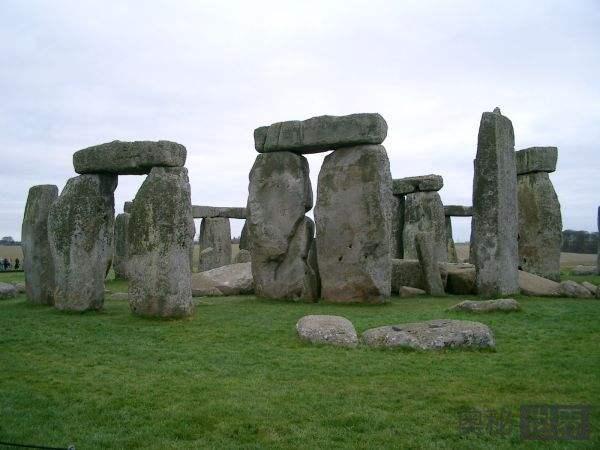 蓝石阵:5000年前的微缩版巨石阵