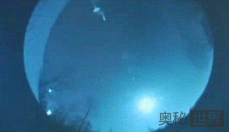 美国居民目击到巨型不明飞行物