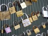 意大利挂爱情同心锁将会受罚坐牢