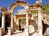 阿尔忒弥斯神庙被毁灭的原因